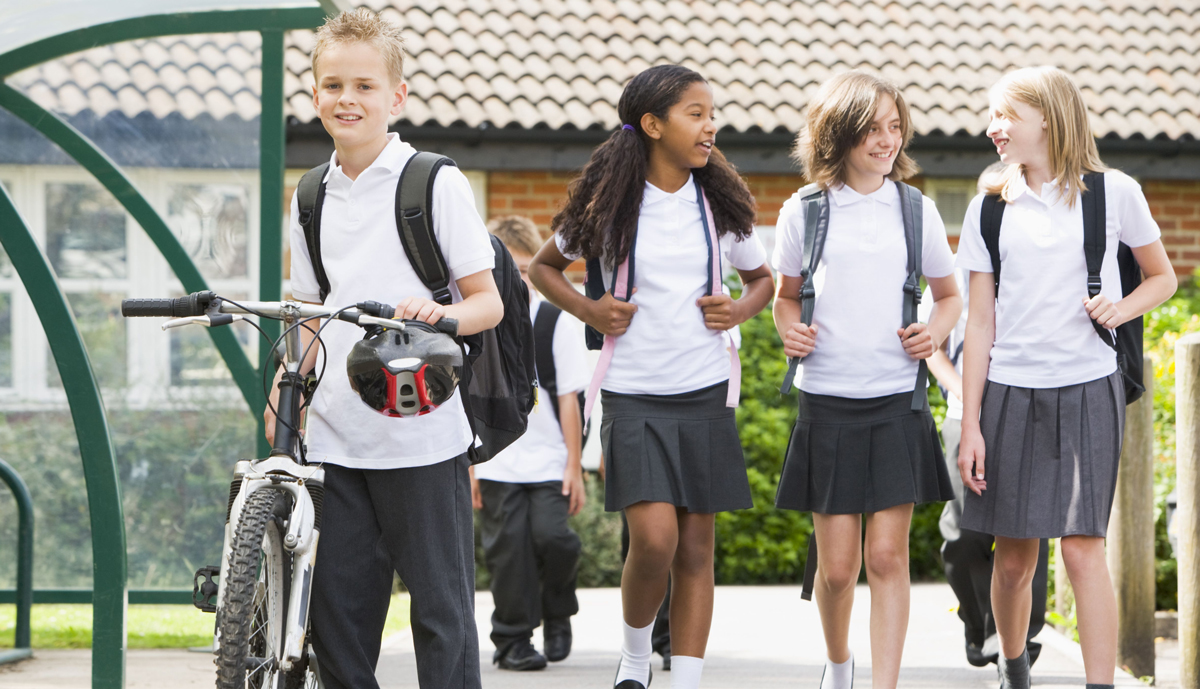 Kids actively travelling to school