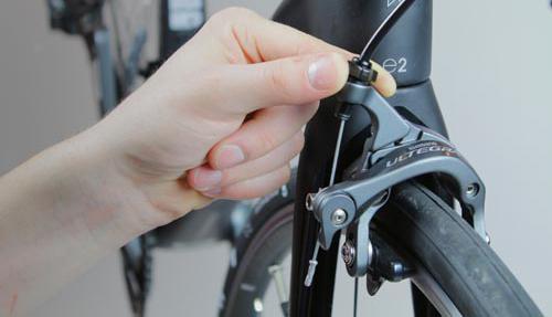 Caliper brake adjustment